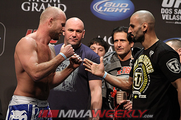 09-tim-boetsch-costa-philippou-ufc-155-weigh
