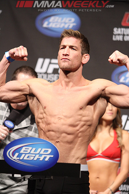 27-sam-stout-7251-ufc-157-weigh
