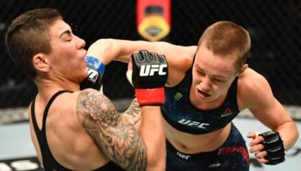 Rose Namajunas cracks Jessica Andrade at UFC 251